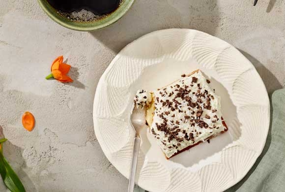 Kookoksinen poke-kakku